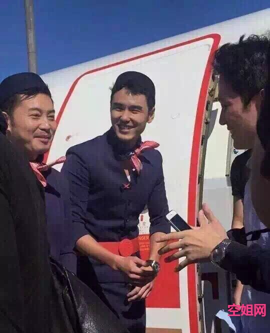 东航最漂亮空姐 没有之一 靓照show kongjie.com图片